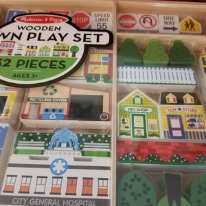 MELISSA AND DOUG WOODEN TOWN PLAY SET